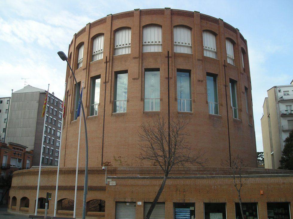 Patricio Clotet, Banco de Espana Headquarters, Girona, Spain, 1982-5 --C.A.
