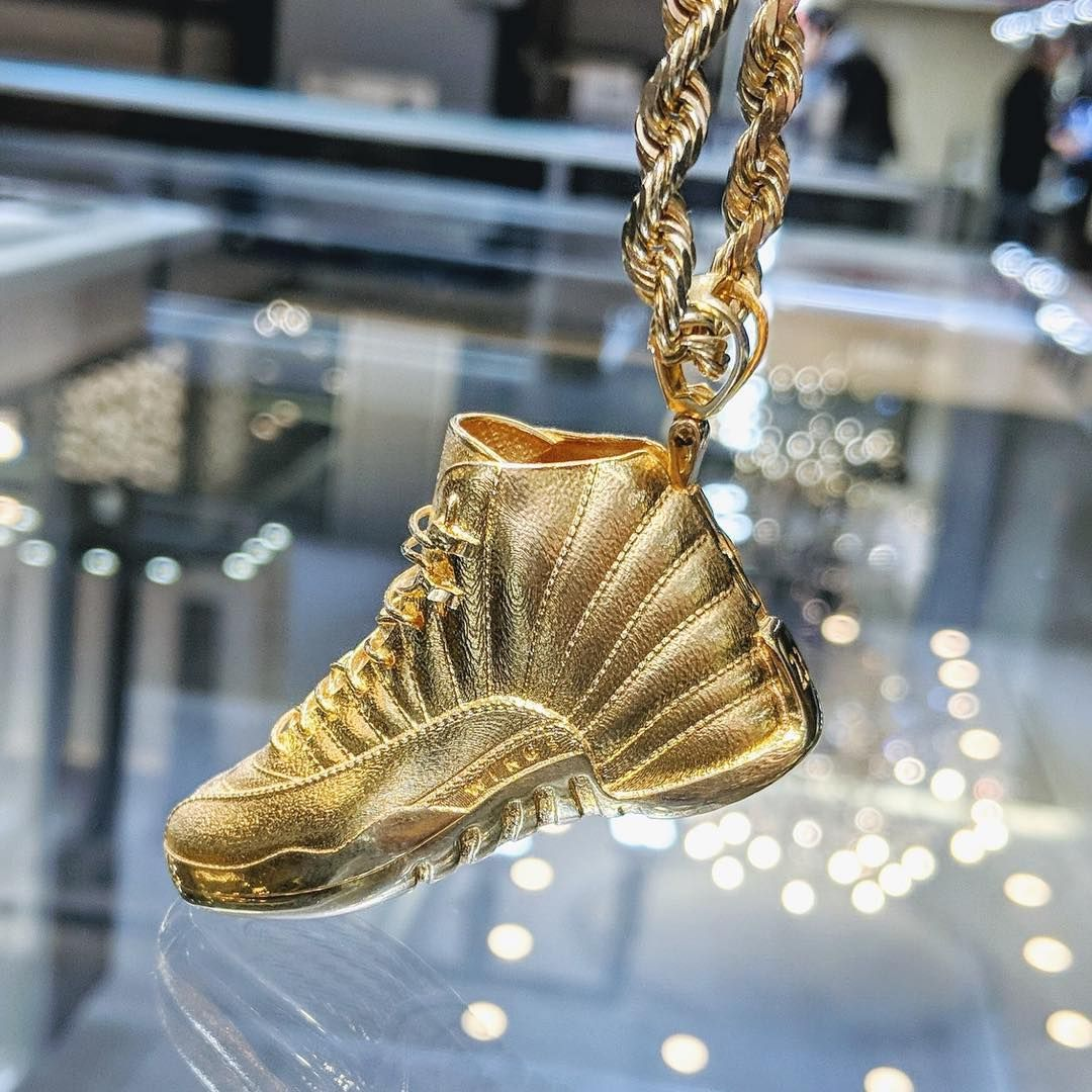 This Air Jordan pendant is a knockout pendant that will floor you ...