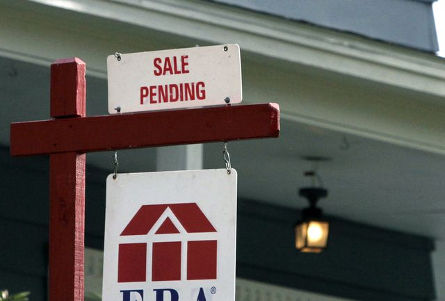 Average Us 30 Year Mortgage Rate Rises To 4 15 Pct Home Buying Process Home Buying Home Ownership