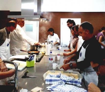 Cocina Eneldo   Escuela De Cocina Eneldo En Valencia Taller Cena Con Amigos