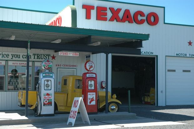 Shaniko has classic 1950s-style Texaco service station, but don't