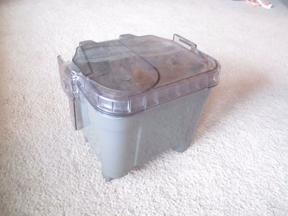 HOOVER SteamVac Recovery Tank w/ Lid from a TurboPower 7000
