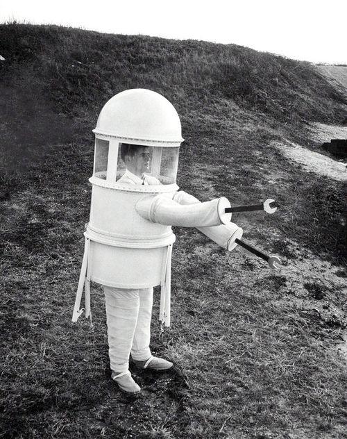 The fashion of tomorrow, 1960 Sam Falk