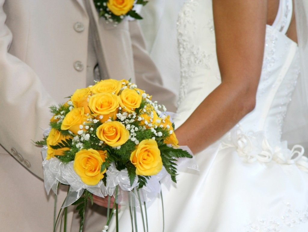 wedding flowers bridal bouquet wedding bouquet from yellow roses