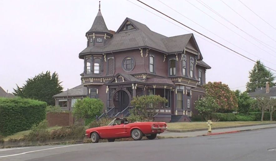 The Love Witch 2016 Filming Locations The Love Witch Was Filmed On Location In Los Angeles Elain 39 S House Is Filming Locations Plaza Design Architecture