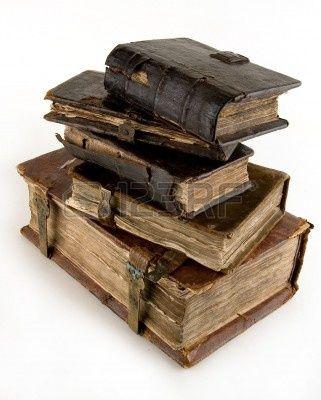 Los Libros Antiguos En Un Fondo Ligero En 2019 Suños Books Old