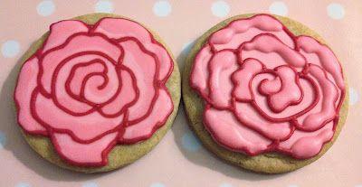 Elaine's Sweet Life: Iced Rose Cookies {Tutorial}