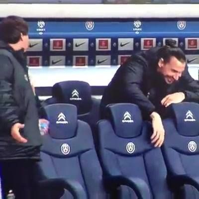 Quick ! Lavezzi is injuried ! Joke by Zlatan #PSG #Zlatan #soccer