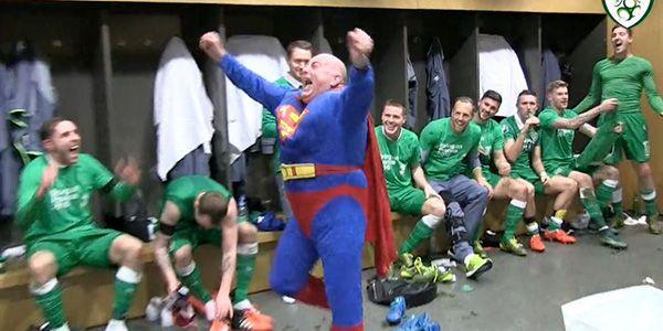 Superman de coşkuya ortak!
