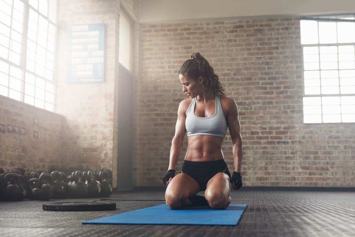 Today S Hiit Workout Is Going To Keep Your Body Guessing Each Round Is 2 30 Minutes Long Then You Get Body Weight Hiit Total Body Workout Routine Hiit Workout
