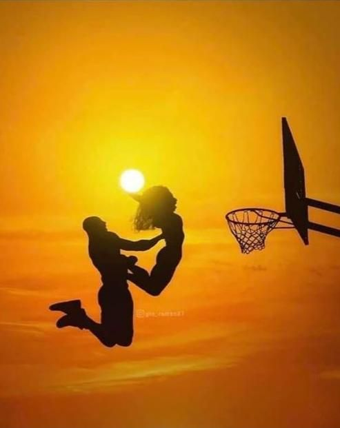 Incredible Pic Kobe Assisting GiGi with (Sun) Dunk! in