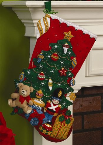 Under the Tree Christmas Stocking - Felt Applique Kit navidad