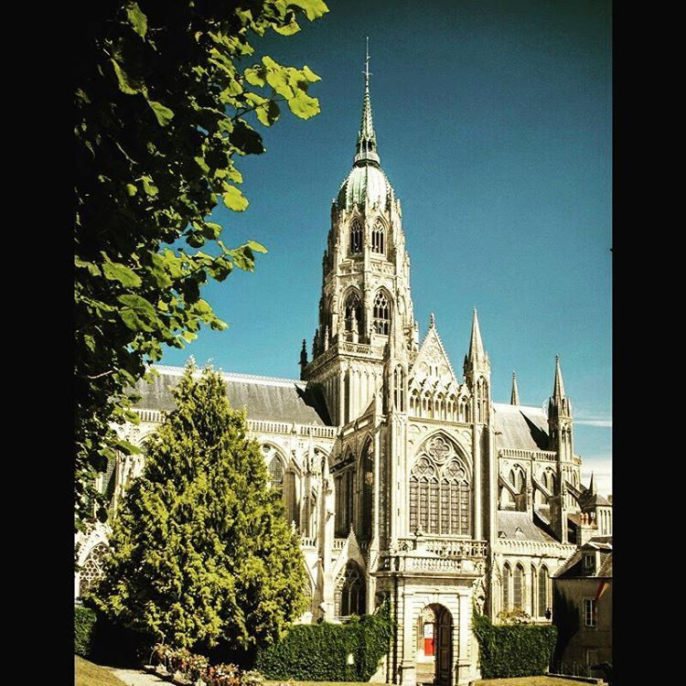https://flic.kr/p/M1NpPJ   Bayeaux Cathedral. #bayeaux #normandy #cathedral…