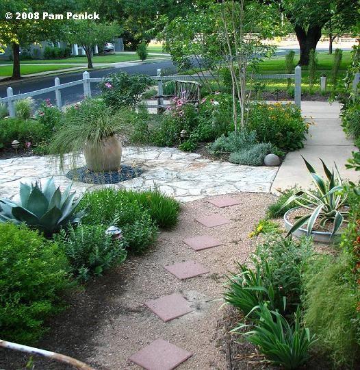 Front Yard Edging: Front-Yard Gardens: Garden Bloggers' Design Workshop