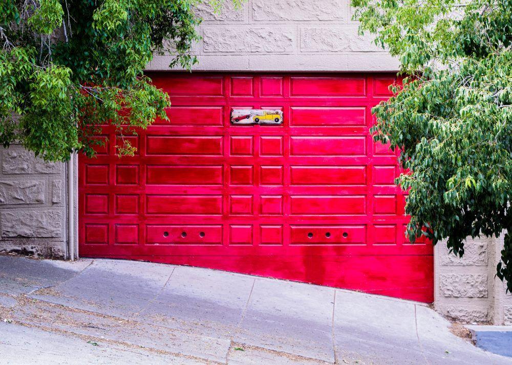 You Might Need A Garage Door Repair Signs Garage Door Repair Louisville In 2020 Door Repair Garage Door Repair Garage Doors
