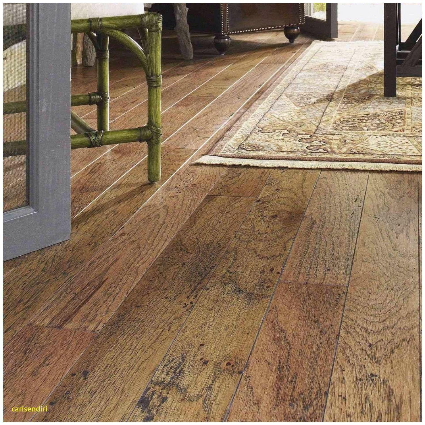 Badezimmereitelkeiten Installation Von Badezimmereitelkeiten In 2020 Wood Laminate Flooring Engineered Wood Floors Porcelain Flooring