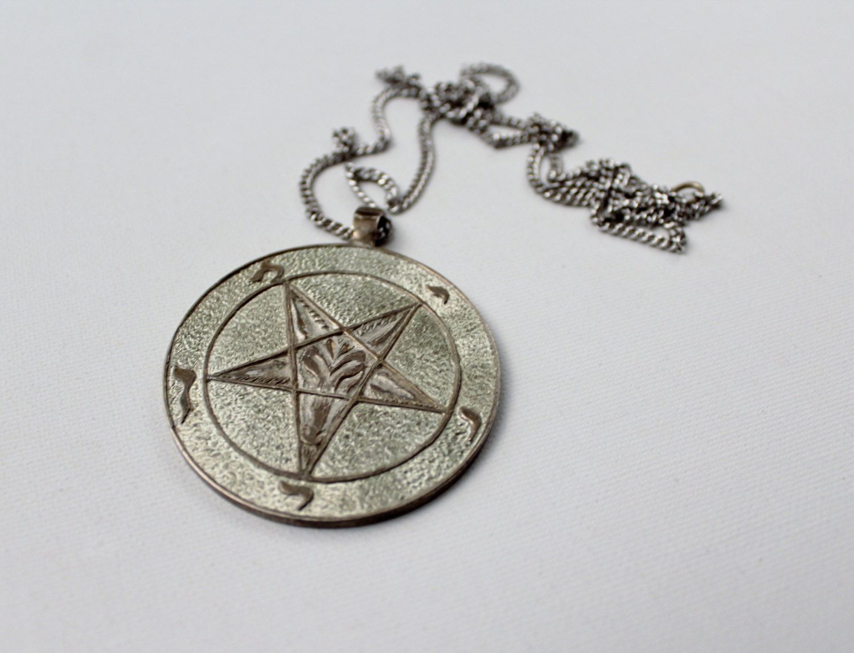 Vintage pentagram medallion sigil of baphamet kabbalah jewish vintage pentagram medallion sigil of baphamet kabbalah jewish mysticism symbols mendes pentacle biocorpaavc Choice Image