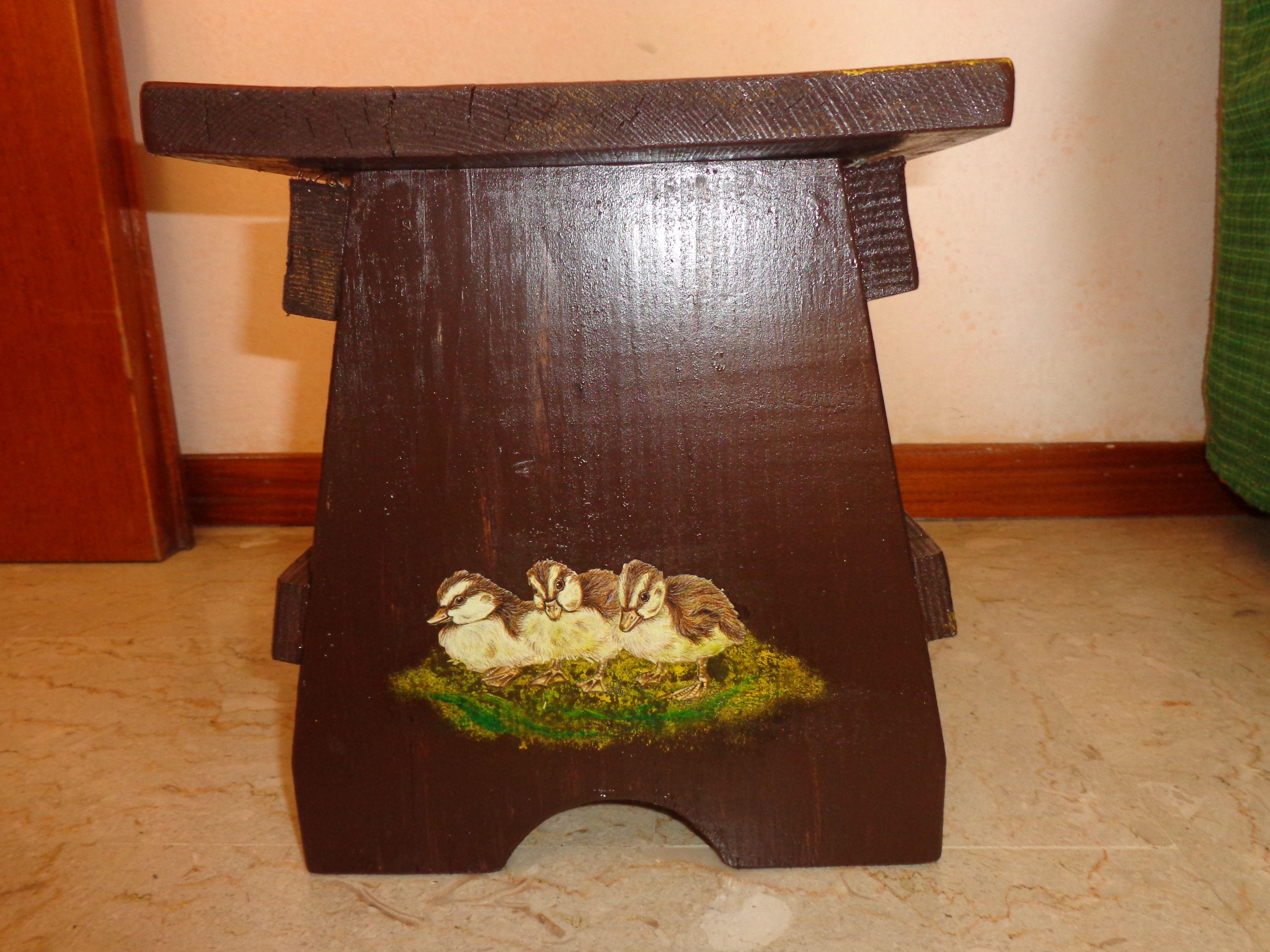 Sgabello greencorks a forma di tappo in sughero riciclato alto cm