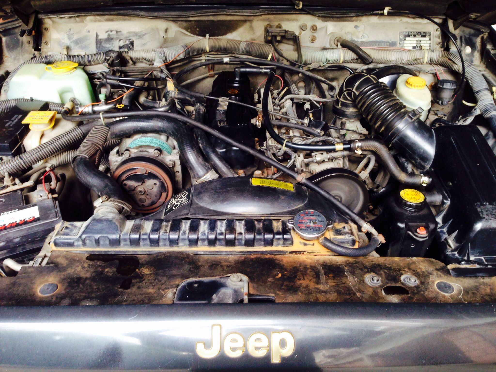I Tried To Clean The Engine Bay Today Jeep Cherokee Xj Jeep Cherokee Jeep