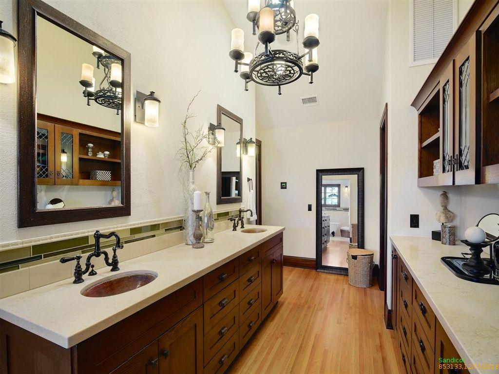 917 N Crescent Dr Beverly Hills Ca 90210 Zillow Bathroom Vanity Double Vanity