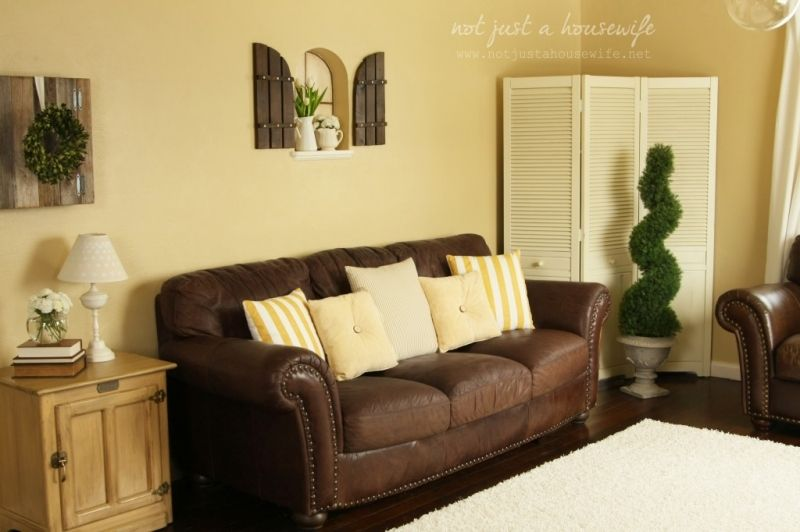 what color furniture goes with yellow walls cheerful yellow family