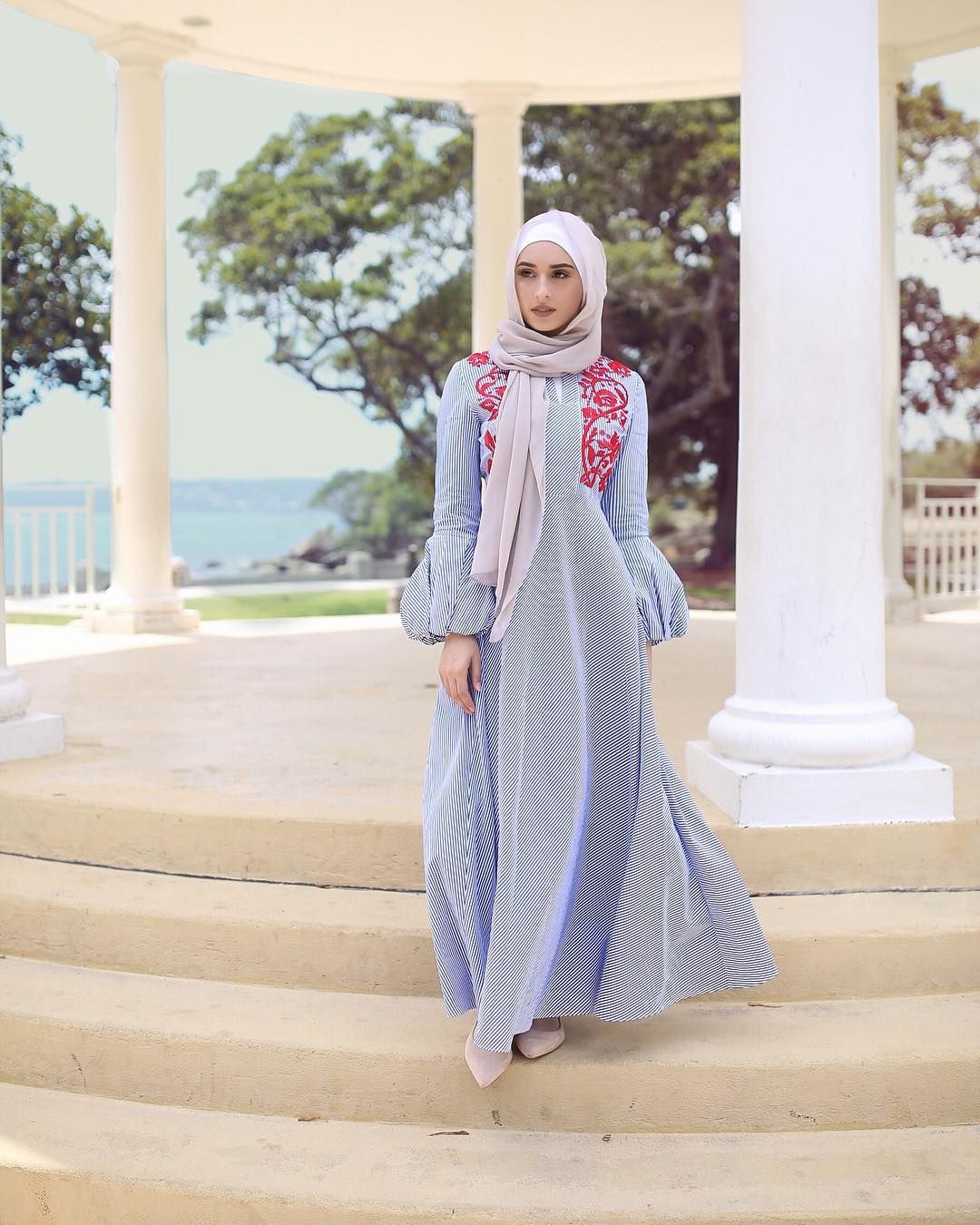 Hijab House Hijab House On Instagram Hijab House S Slayage Of Modern Casual Maxis Continues With This Number We Love Nawa Dresses Balloon Dress Outfits