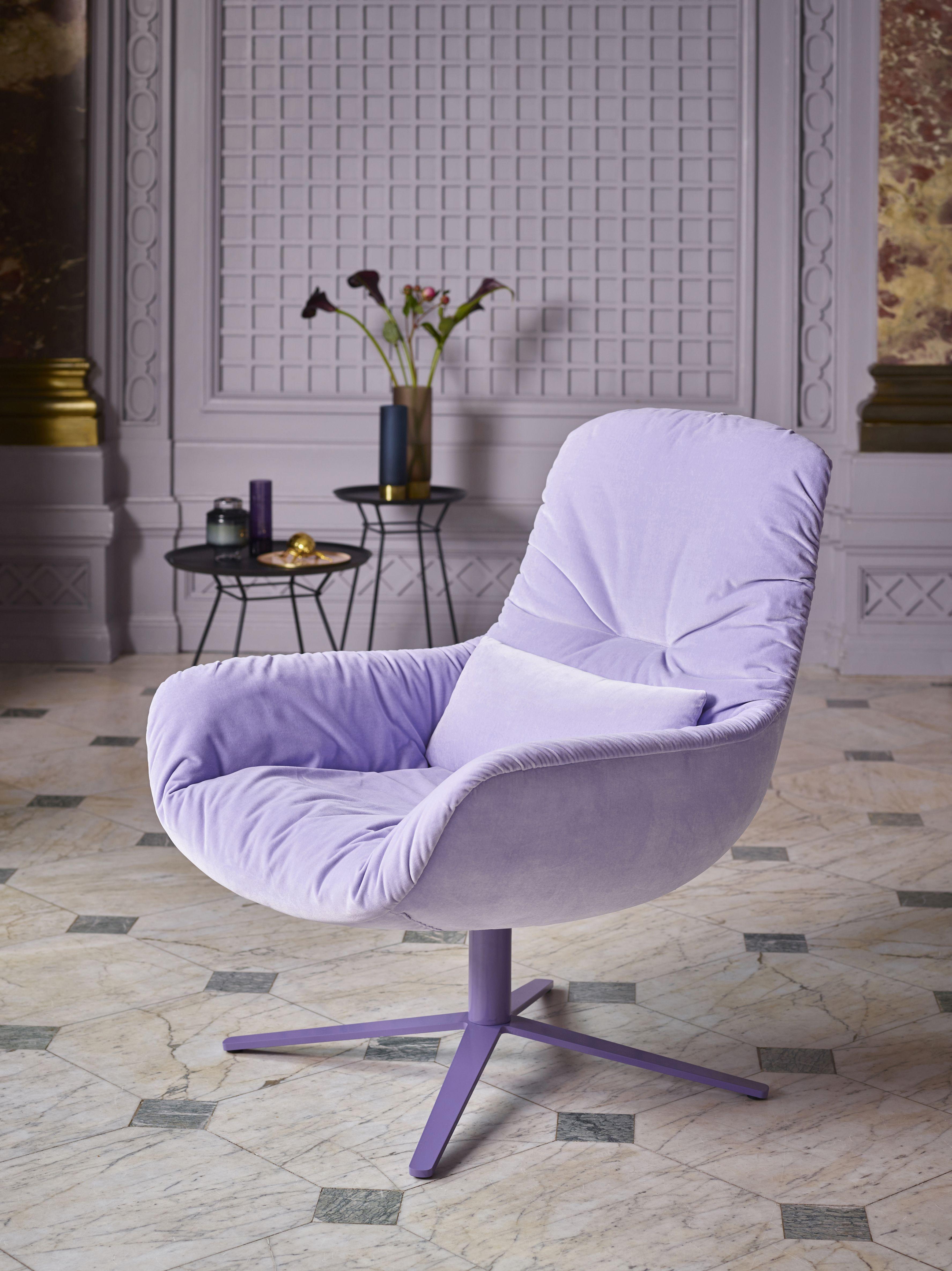 Leya Lounge In Lavender Velvet Schlosshotel Grunewald Www Freifrau Eu Hochwertige Möbel Stuhl Design Freifrau Leya
