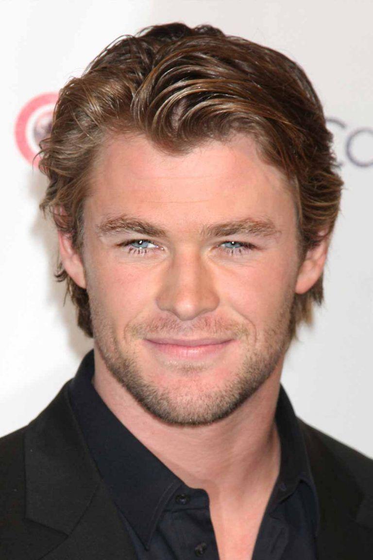 How To Get Chris Hemsworth Thor Ragnarok Haircut Menshaircuts Com In 2020 Chris Hemsworth Hair Medium Hair Styles Mens Hairstyles
