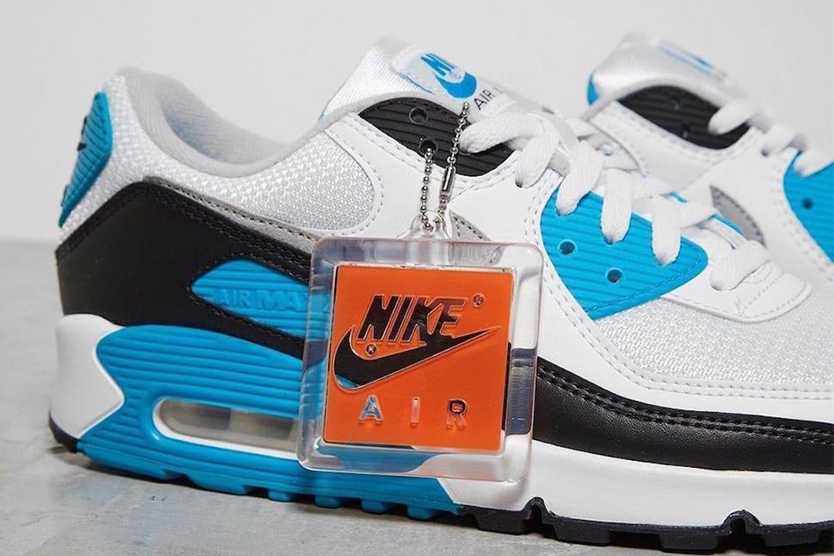 I Na To Czekalismy Wszyscy Powraca Oryginalna Kolorystyka Nike Air Max 90 Laser Blue Air Max Sneakers Nike Air Max Nike Air Max 90