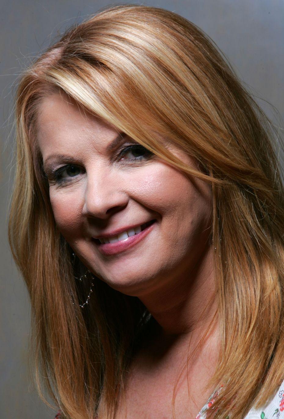 Patty Loveless (First cousin to sisters Loretta Lynn