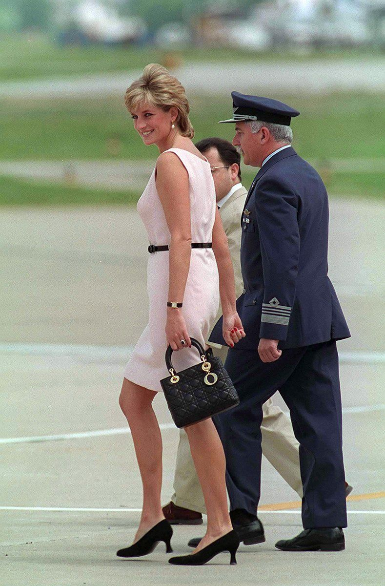 Princess Di w  her Lady Dior...is this the SM size     iconic ... 556cae4799cae