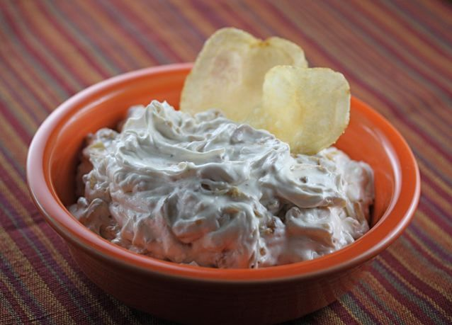 That Dip Made Out Of Sour Cream And Lipton Onion Soup Onion Dip Smart Cooking Veggie Dip