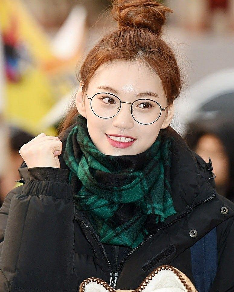 ボード「Korean Entertainment Birthdays」のピン