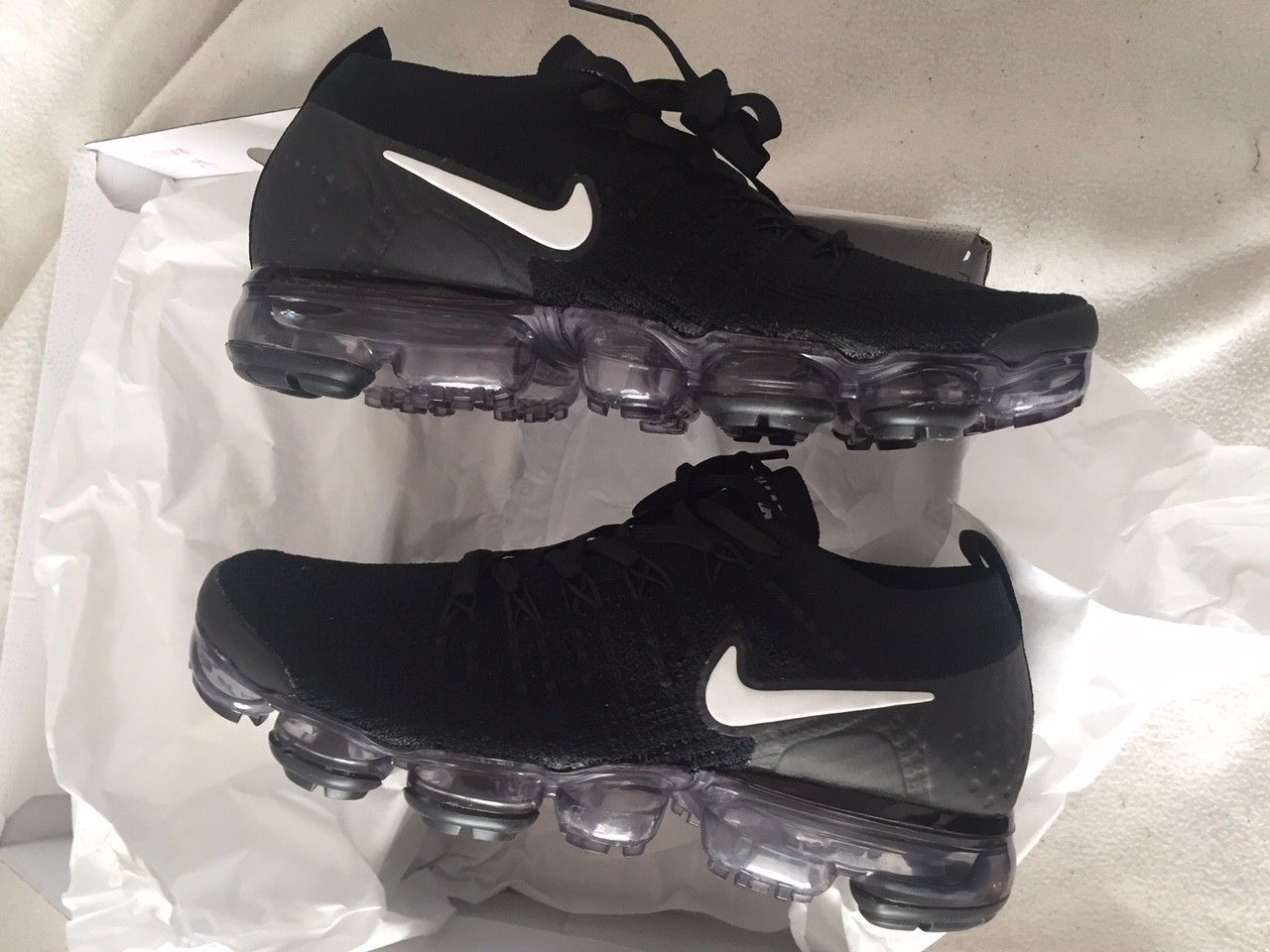 0eebe07fb2d Nike Women s Air Vapormax Flyknit 2 942843-001 Black  White US 6.5 EUR 37.5