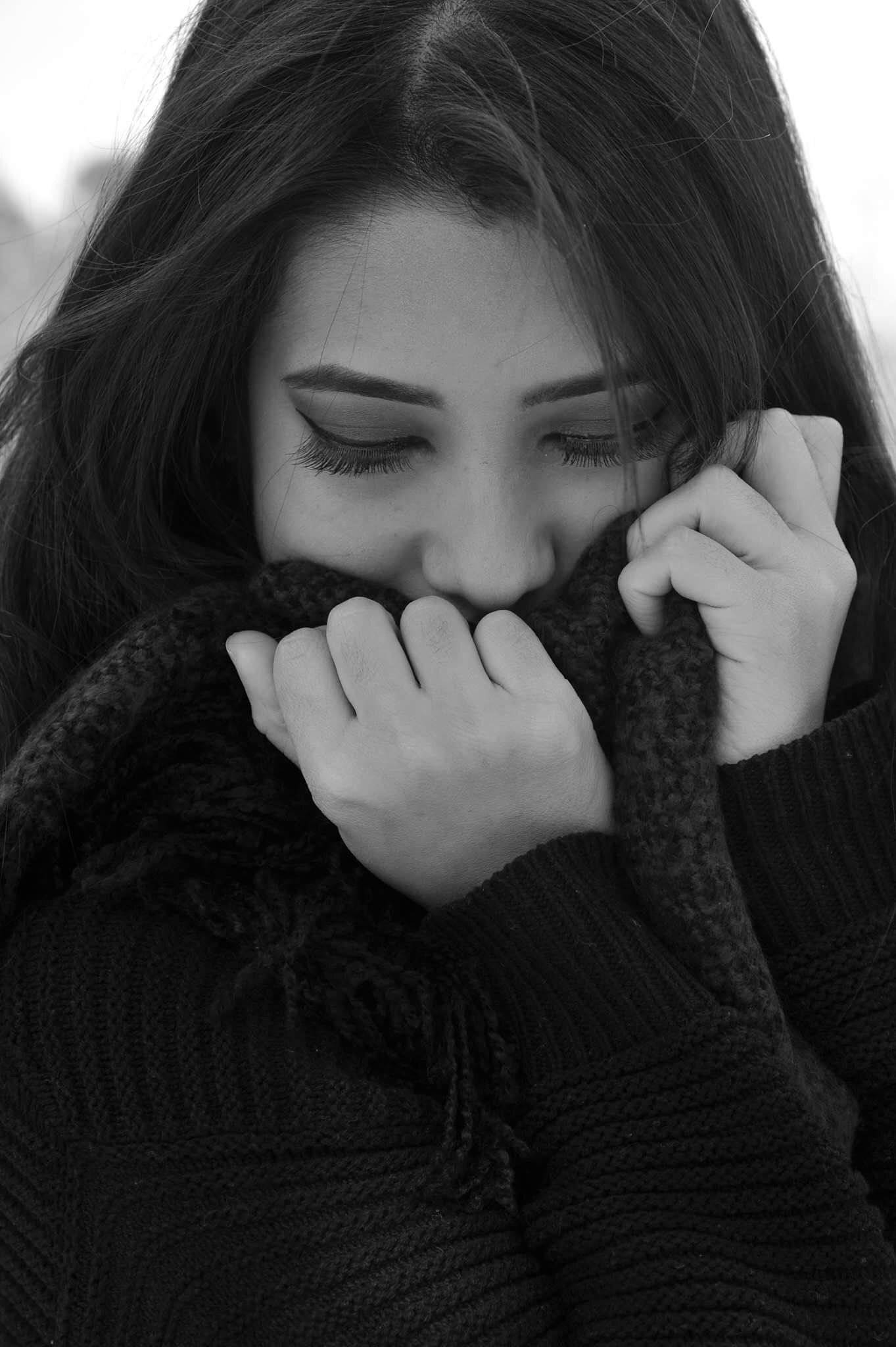 Картинка плачущий девушка