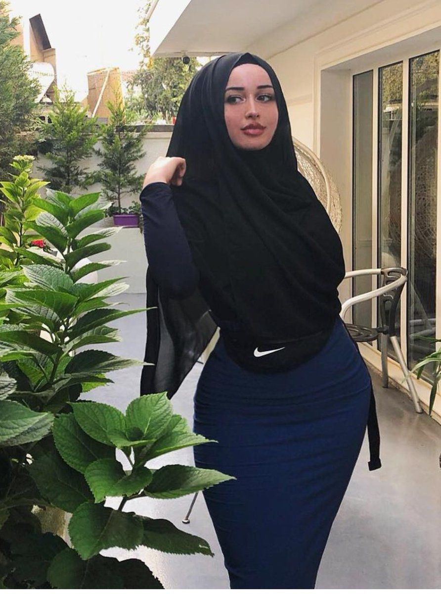 4 Twitter  Muslim Women Fashion, Girl Hijab, Arab Girls -1739