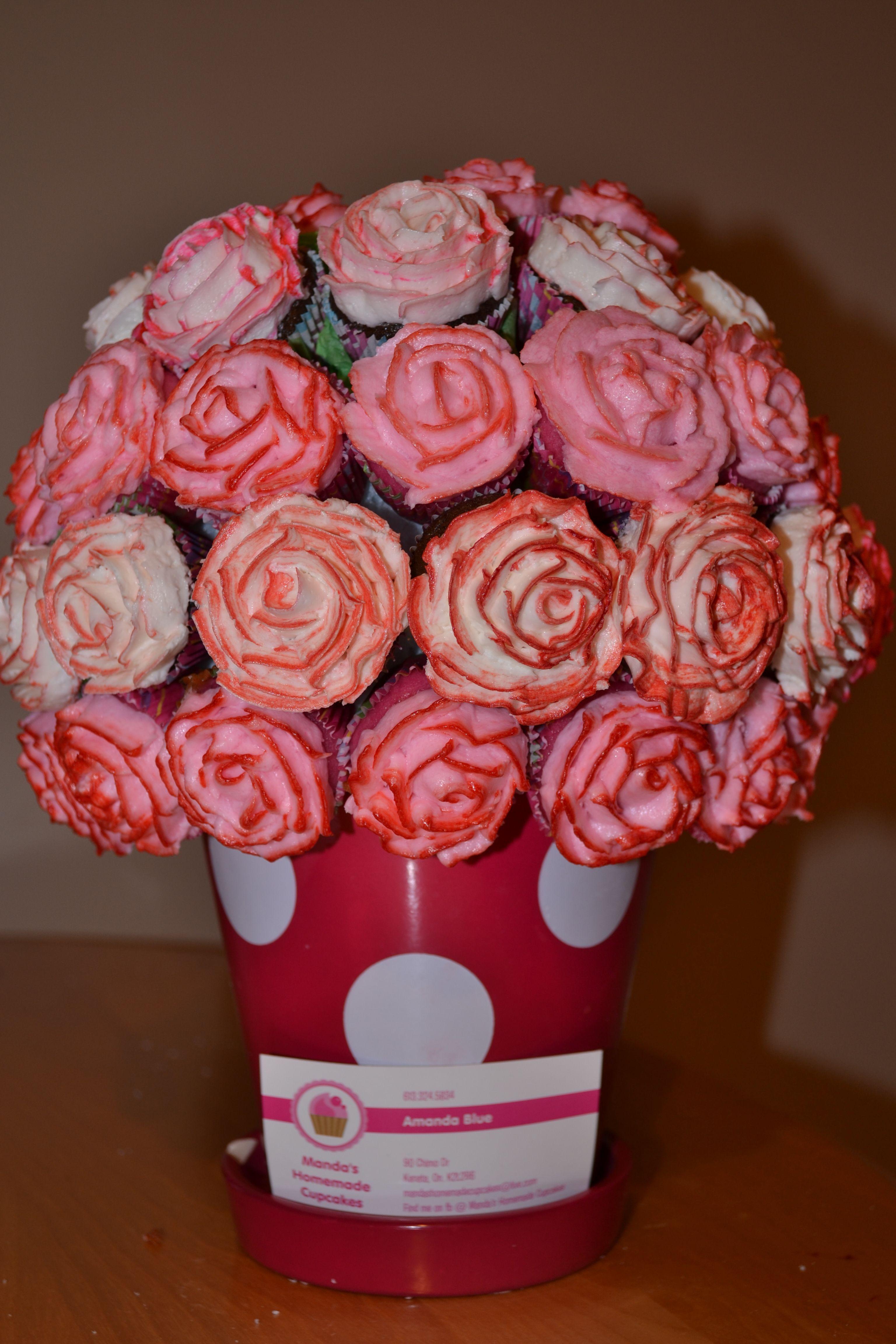 Mini cupcake bouquet, Roses in butter cream. Pink-Pink lemonade ...