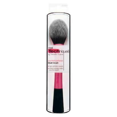 Real Techniques Blush Brush -- perfect rounded shaped to apply blush and bronzer to the contours of your face and apples of your cheeks