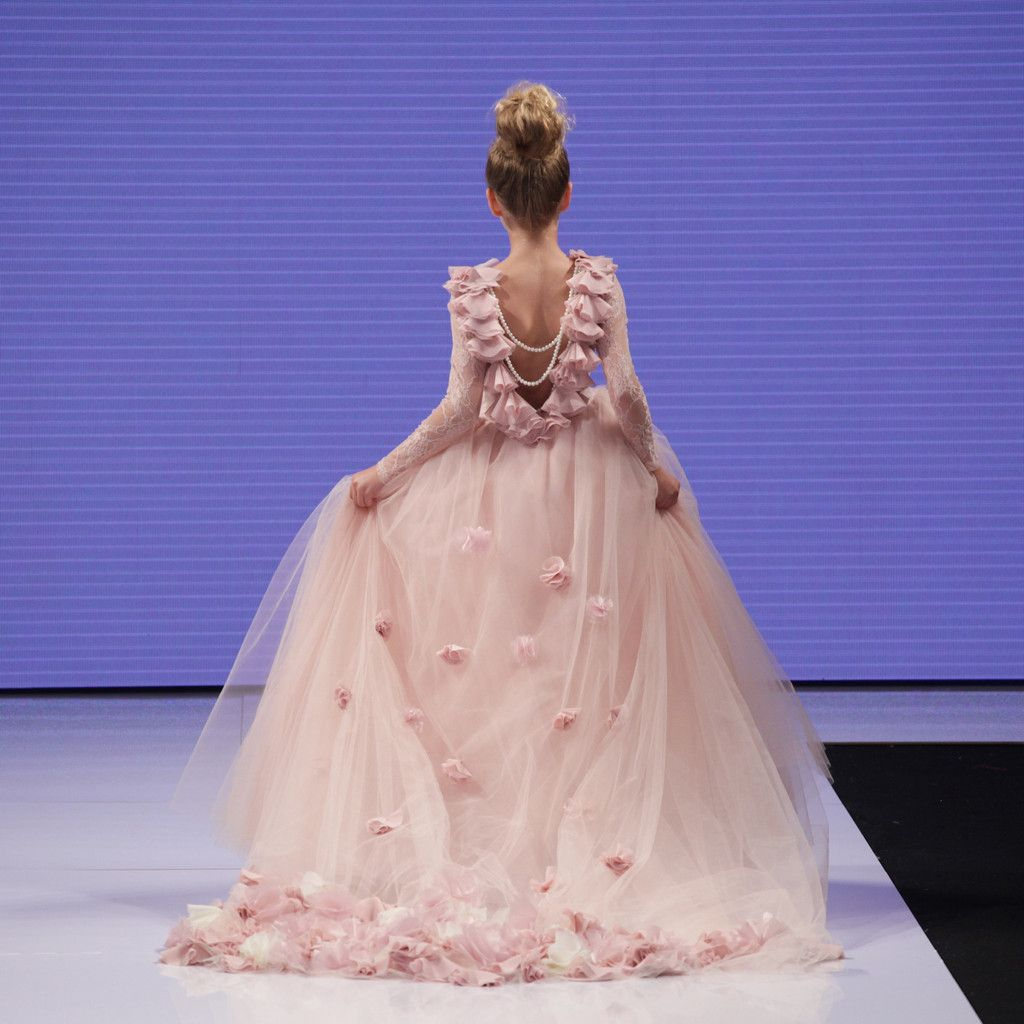 Dorable Vestido De Novia Isabella Ideas Ornamento Elaboración ...
