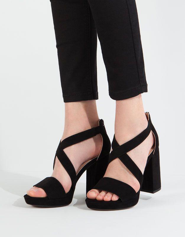 fd99dd2f880 Pull Bear - zapatos - novedades - sandalia tacón plataforma - negro -  11905111-V2016