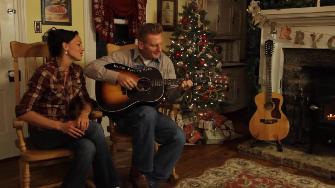 Joey and Rory Farmhouse   Joey+Rory Farmhouse Christmas-From their ...