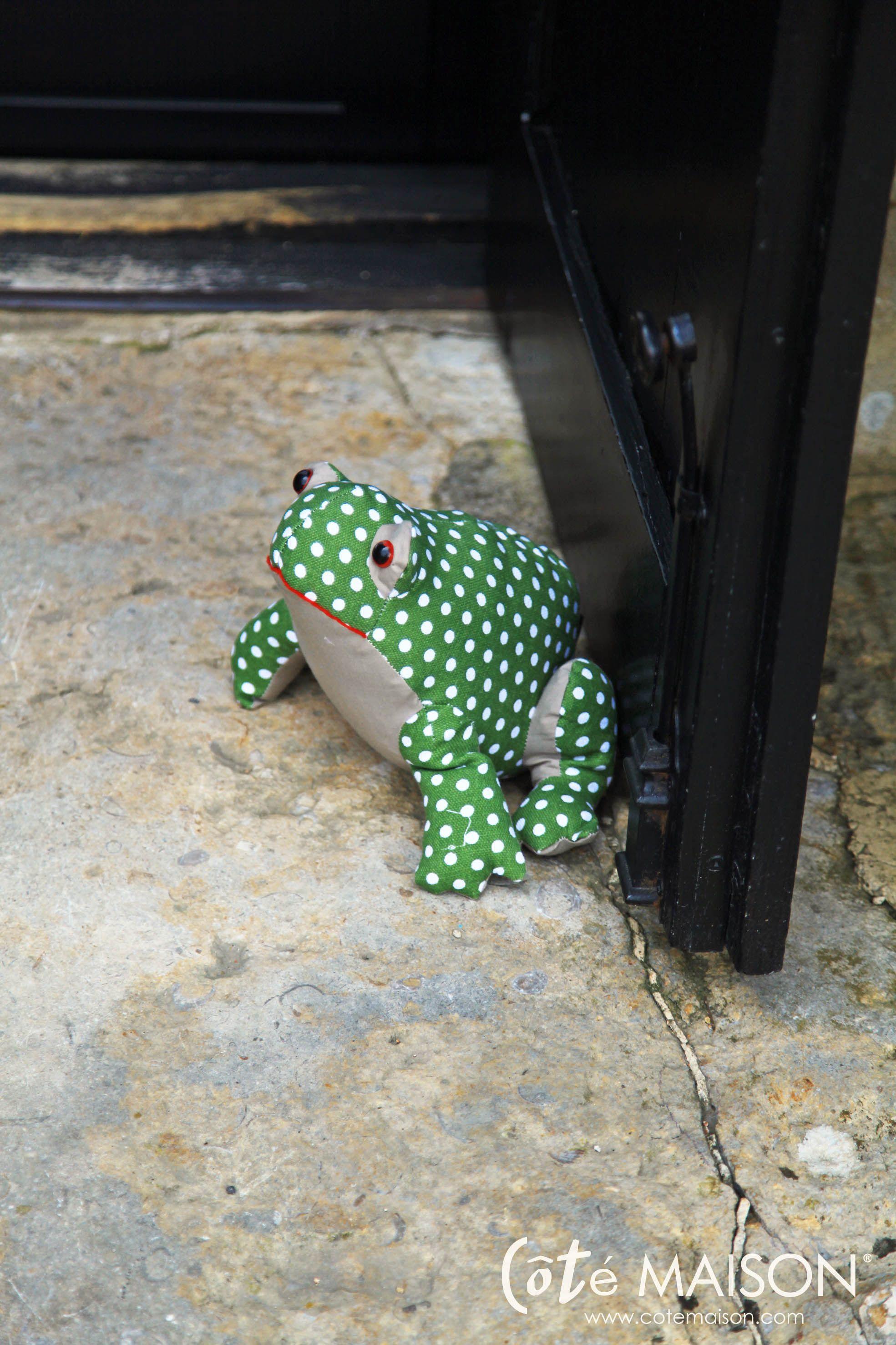 le cale porte grenouille home sweet home d coration pinterest draft stopper pin. Black Bedroom Furniture Sets. Home Design Ideas