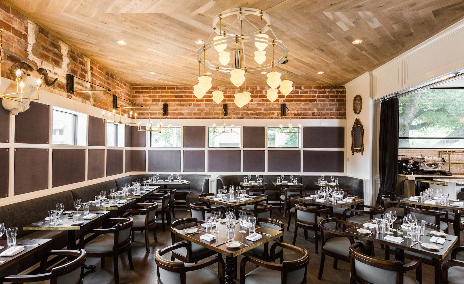 Chef Ford Frys First Restaurant In His Native City Taking Up Residence Affluent Mansion Strewn River Oaks The Dining Room