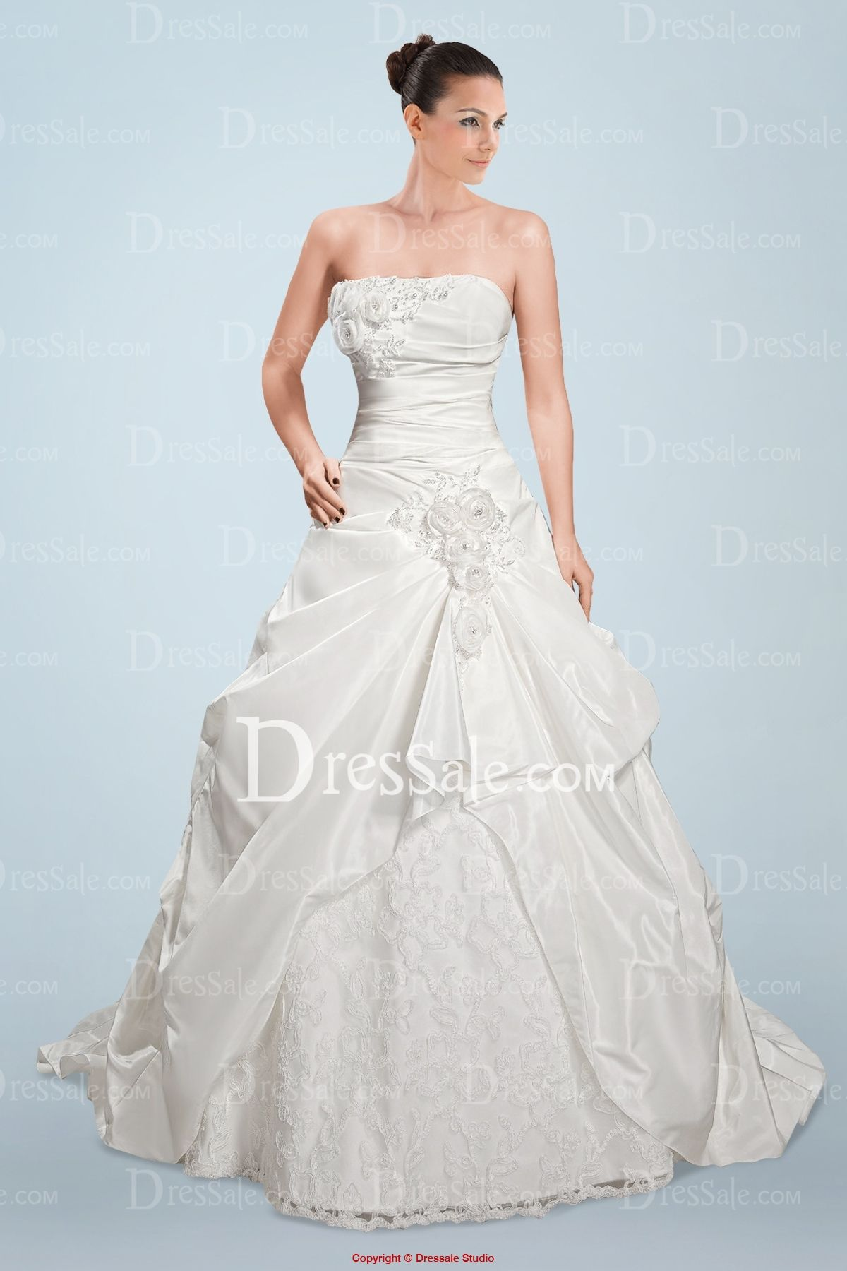 Imposing Strapless Princess Wedding Dress with Beaded