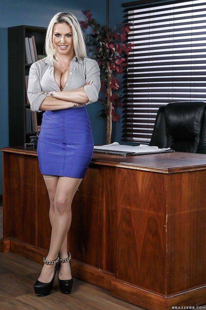 большие сиськи блондинка в офисе - 4