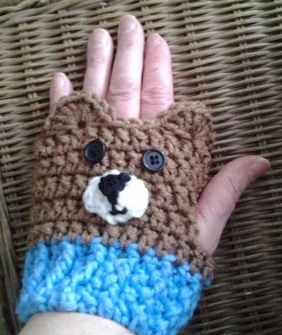 The Penguin Pages: Da Bears Fingerless Gloves | tejidos | Pinterest ...