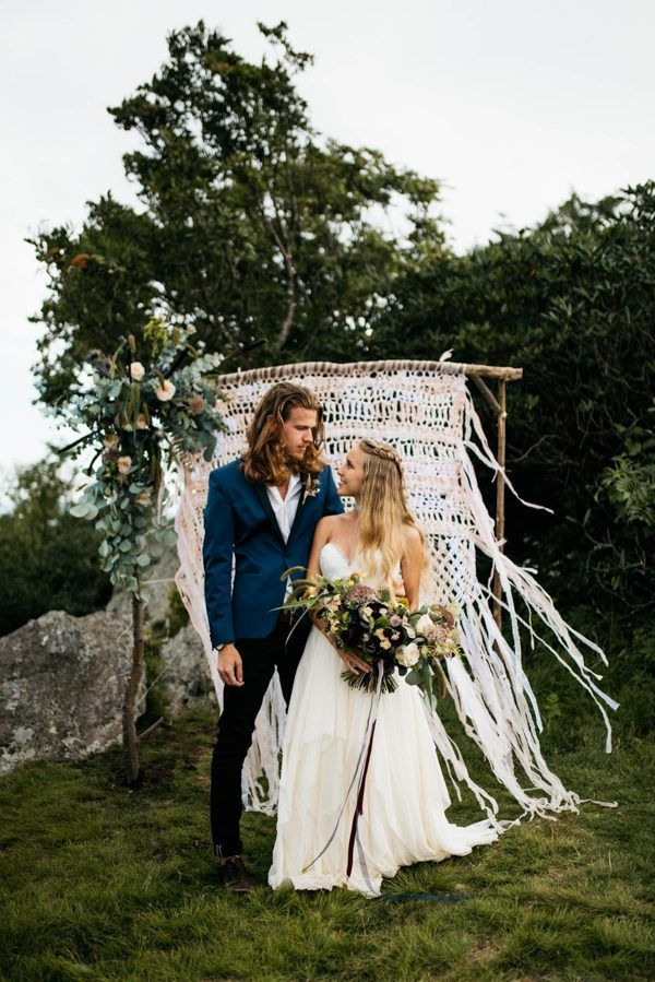 Boho mountain elopement inspiration | Image by Julia Madden Sears