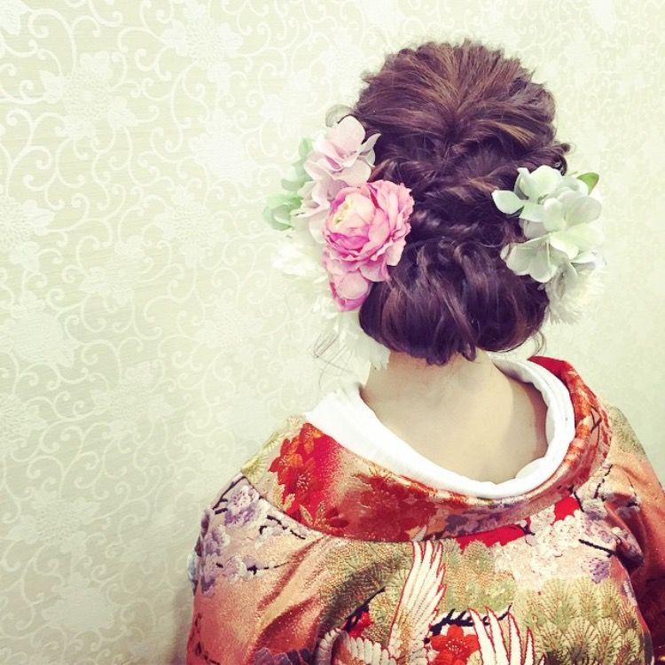 和装の洋髪もお任せ☆ ヘアメイクアップアーティスト《Madokaさん》のブライダルヘアに注目! | ZQN♡
