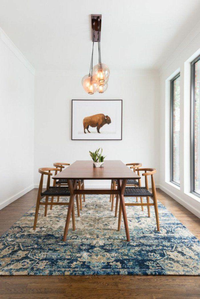 chaises contemporaines salle manger moderne avec tapis colore