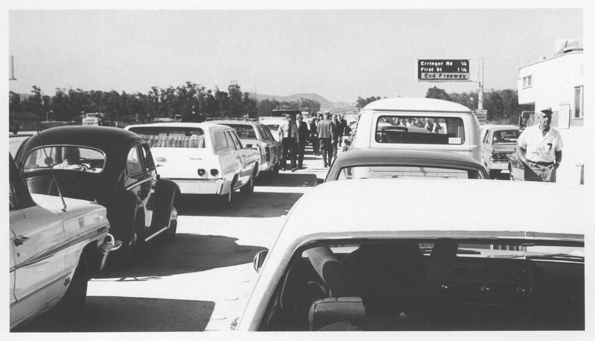 First traffic jam on the 118 Simi valley california